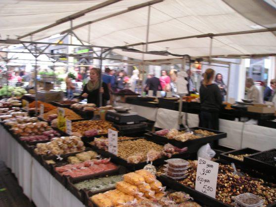 11 outdoor market in Holland